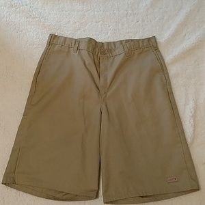 Dickies khaki shorts